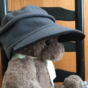 Soft wool hat with visor